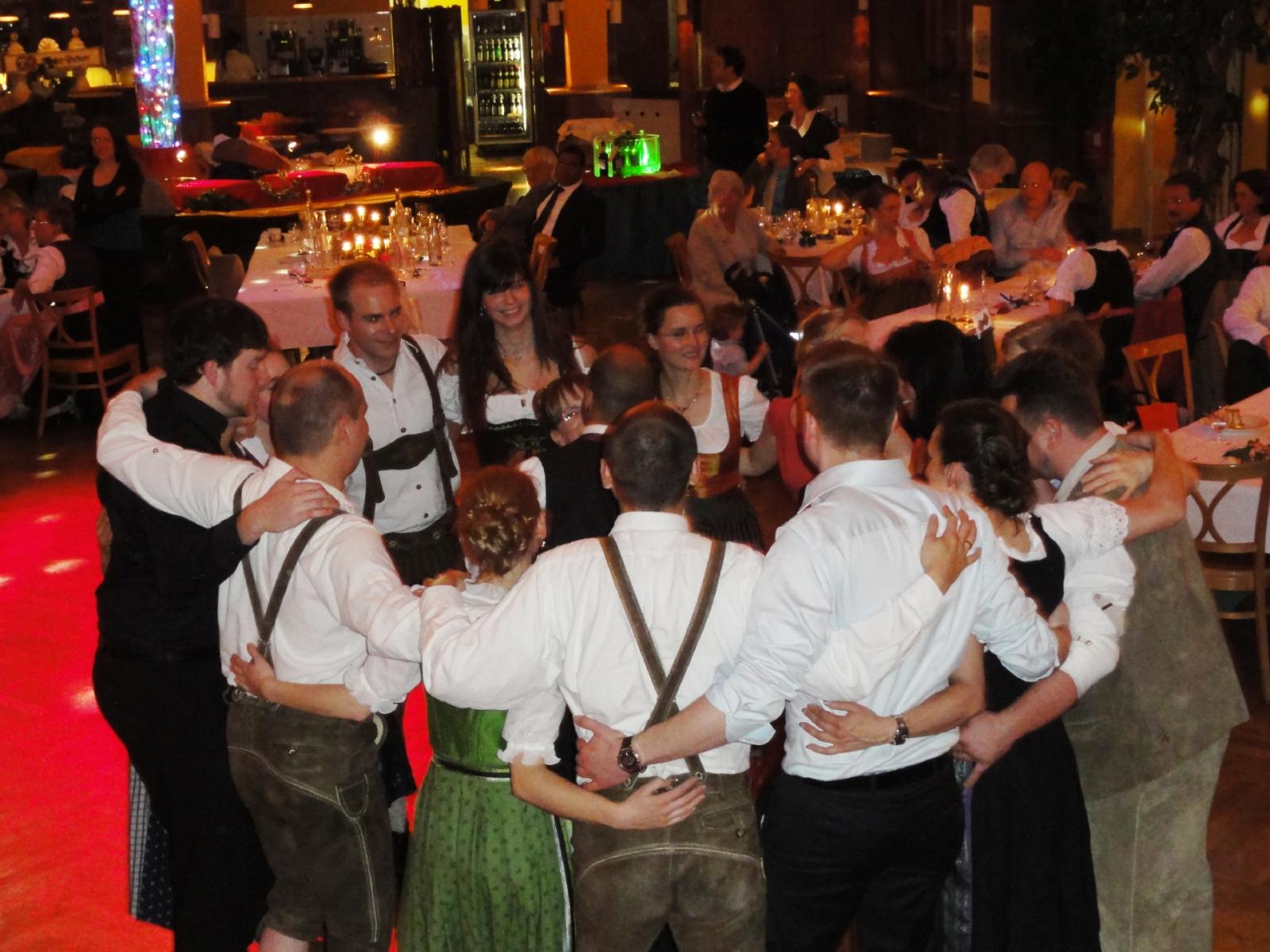 party-stimmung-mit-dj-hoasi